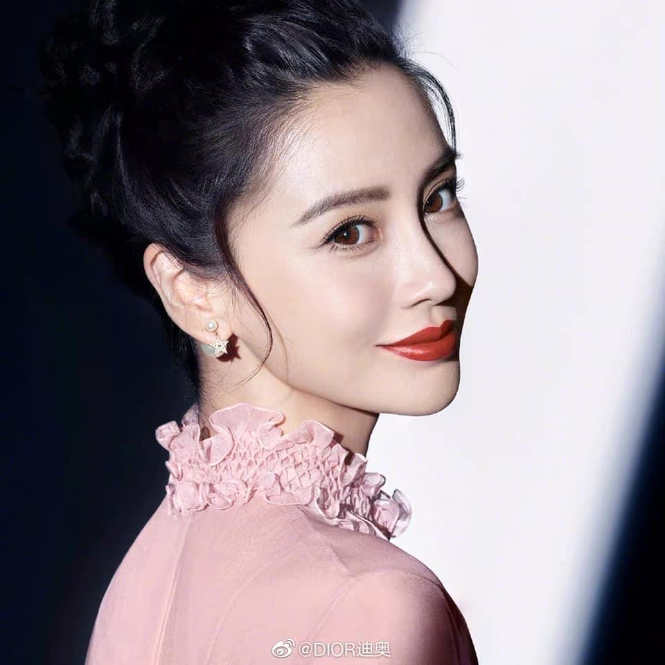 Cùng quảng cáo son mới của Dior, Angelababy được ưu ái hơn Jisoo (BLACKPINK)? ảnh 8