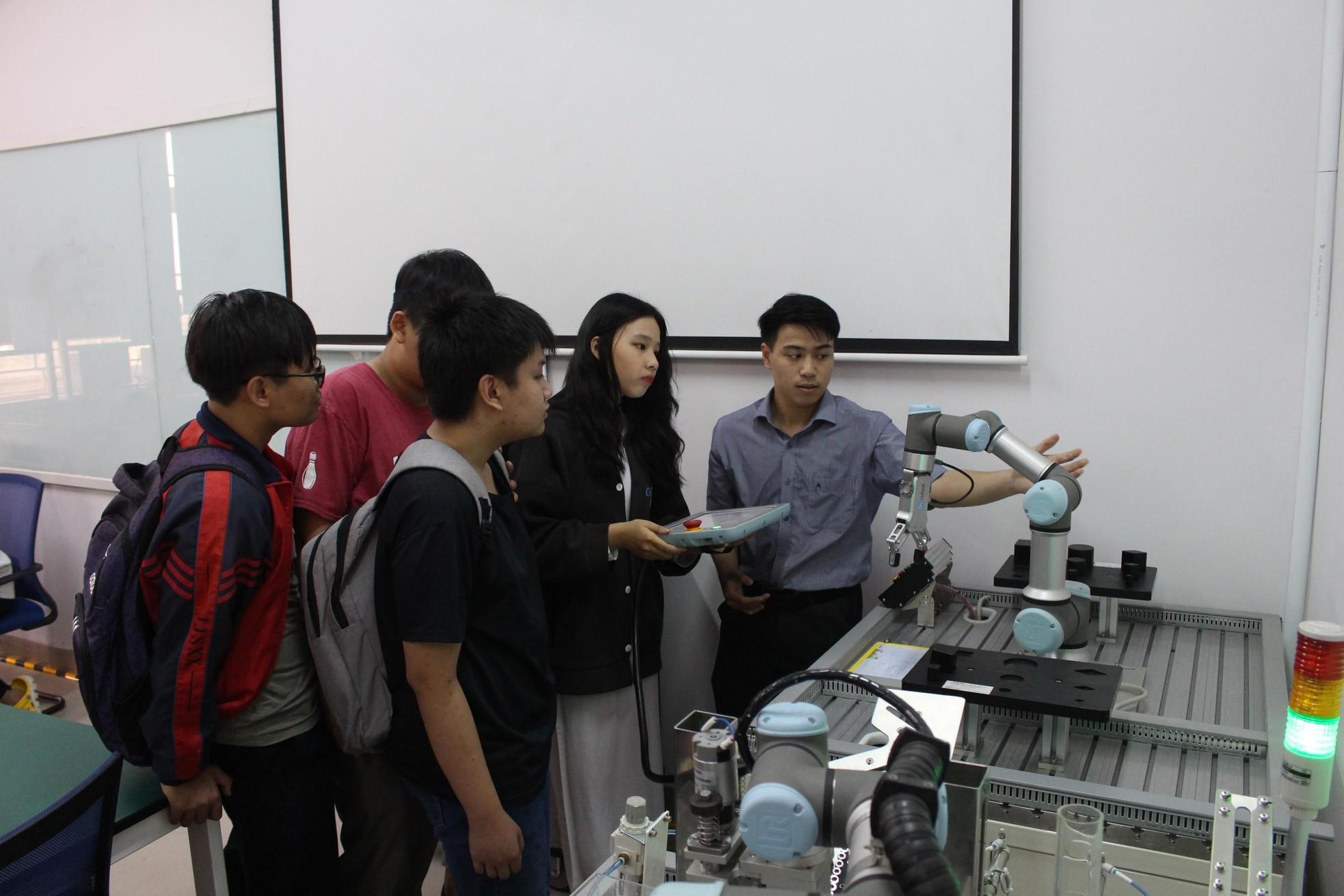 Khởi động hành trình chuyến xe khởi nghiệp ở Đà Nẵng ảnh 6