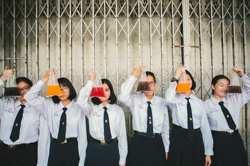 Bộ ảnh kỷ yếu đẹp như phim của hội nữ sinh Thái chứng minh vẻ đẹp nằm ở sự giản dị ảnh 11