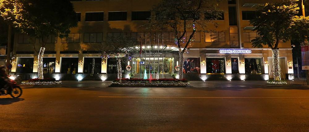 Khắp phố phường Hà Nội đã rạo rực trước mùa Noel ảnh 1