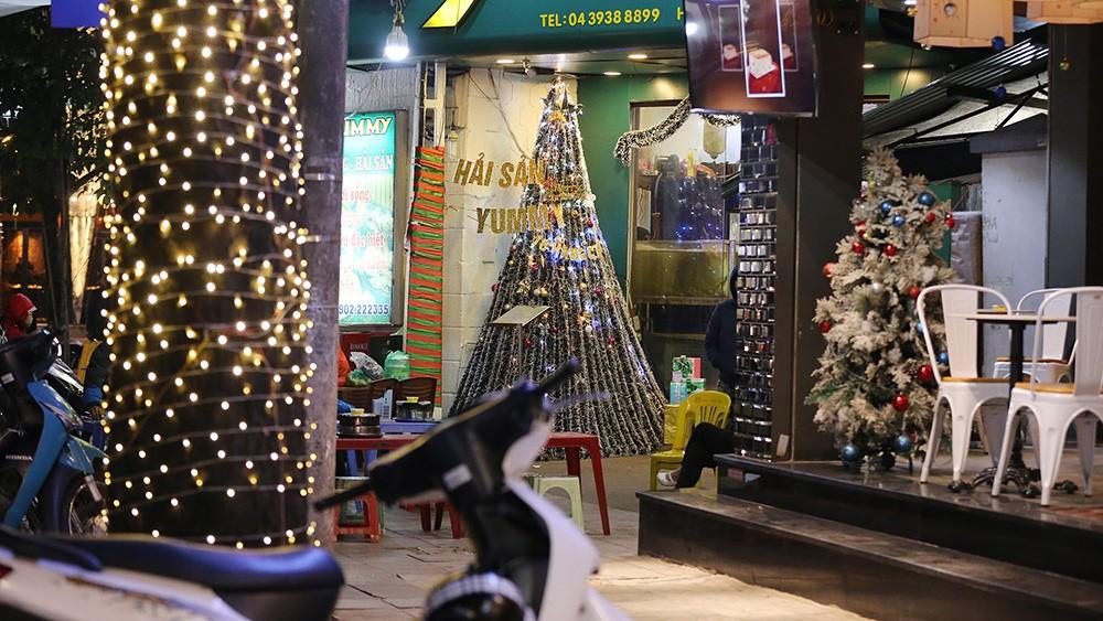 Khắp phố phường Hà Nội đã rạo rực trước mùa Noel ảnh 3
