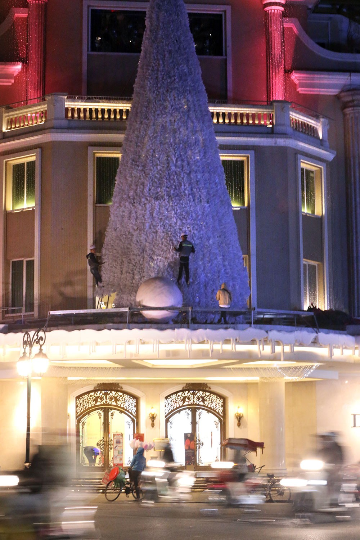 Khắp phố phường Hà Nội đã rạo rực trước mùa Noel ảnh 5