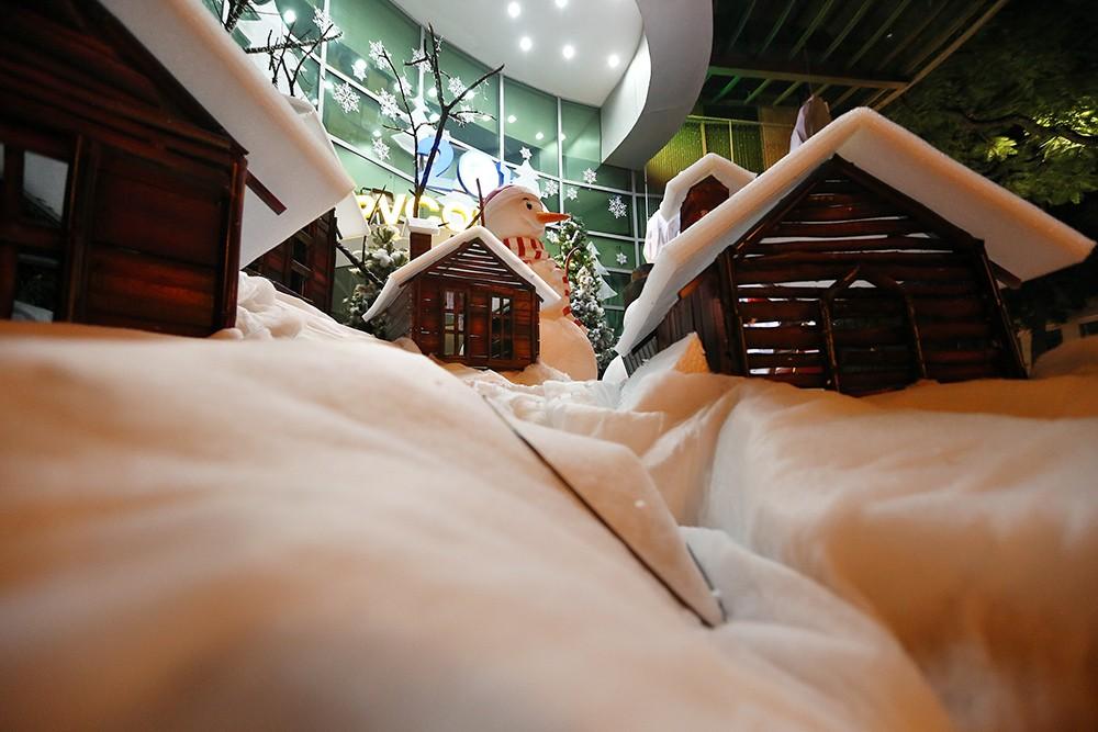 Khắp phố phường Hà Nội đã rạo rực trước mùa Noel ảnh 13