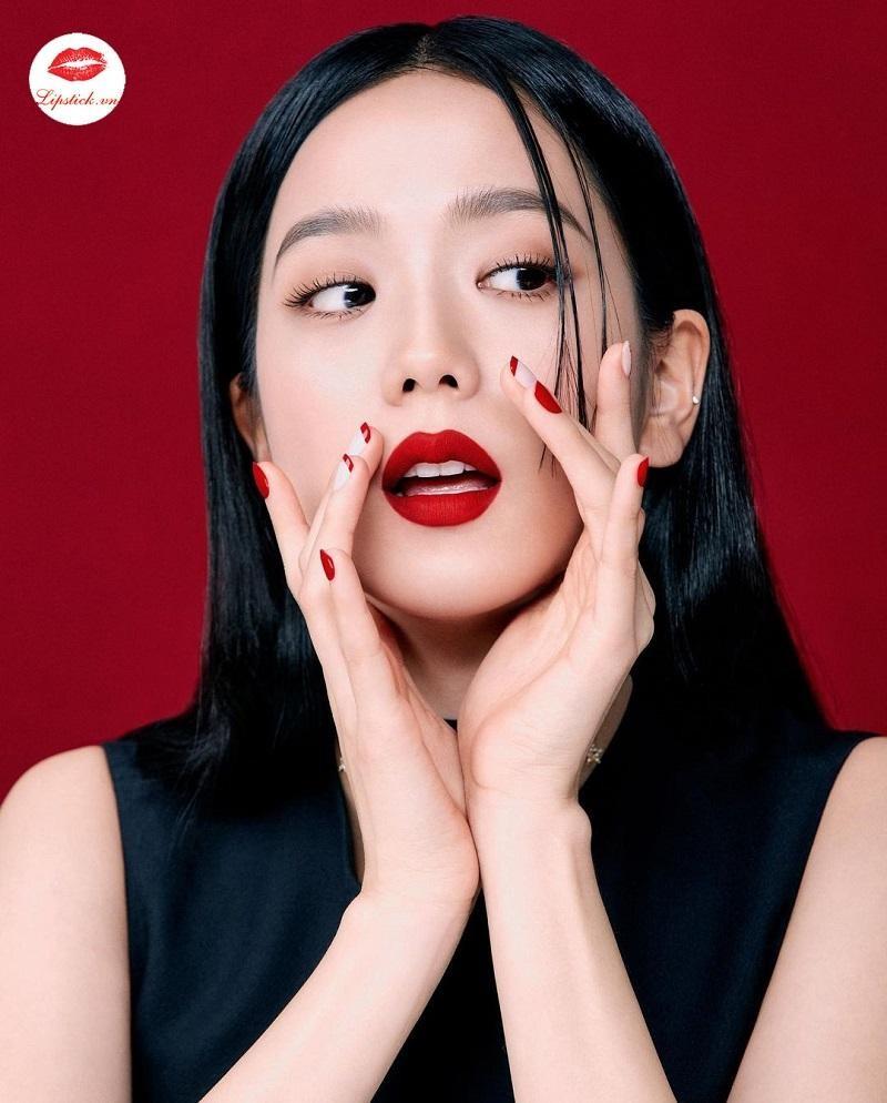 Soi loạt ảnh BLACKPINK quảng cáo son môi mới thấy Lisa có một điểm chưa ổn ảnh 9