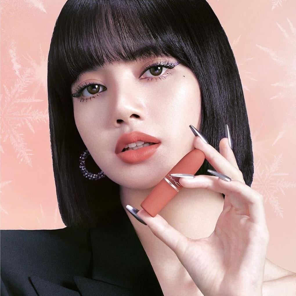 Soi loạt ảnh BLACKPINK quảng cáo son môi mới thấy Lisa có một điểm chưa ổn ảnh 4