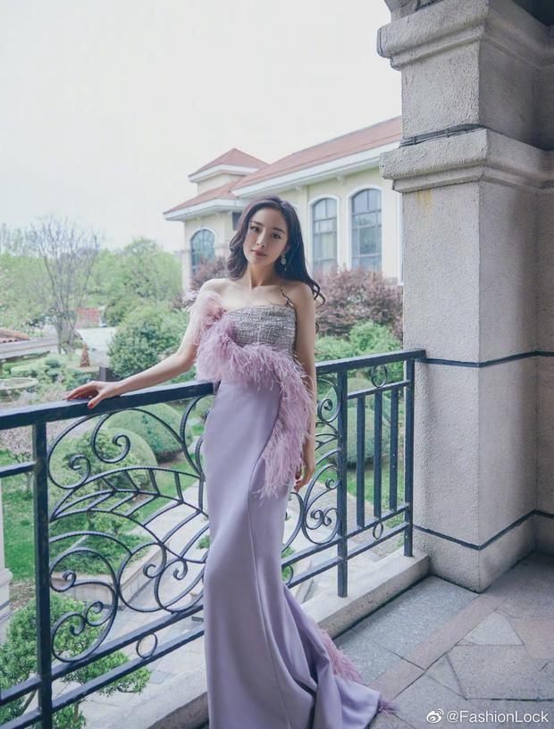 Khổ như Dương Mịch: Nỗ lực diện đồ Haute Couture cao cấp mùa mới nhất nhưng vẫn bị chê ảnh 4