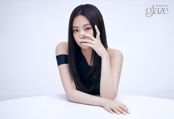 """Hai lần được chọn làm """"người kế vị"""" quảng cáo của Suzy, Jennie liệu có vượt lên đàn chị? ảnh 1"""