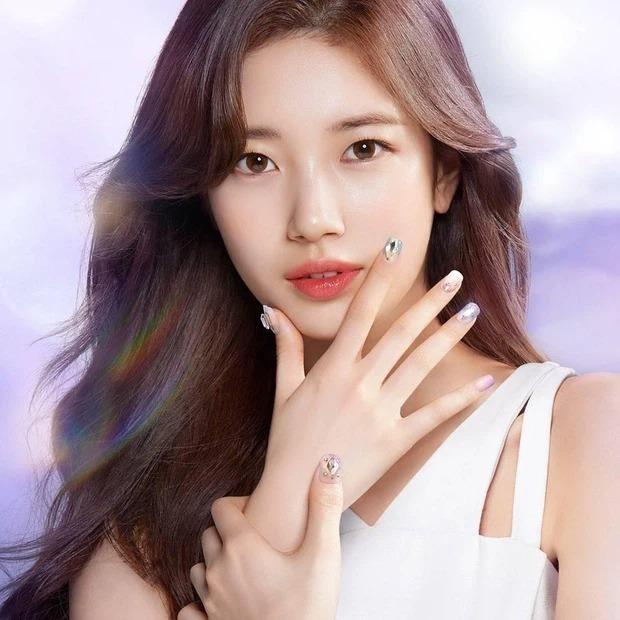"""Hai lần được chọn làm """"người kế vị"""" quảng cáo của Suzy, Jennie liệu có vượt lên đàn chị? ảnh 4"""