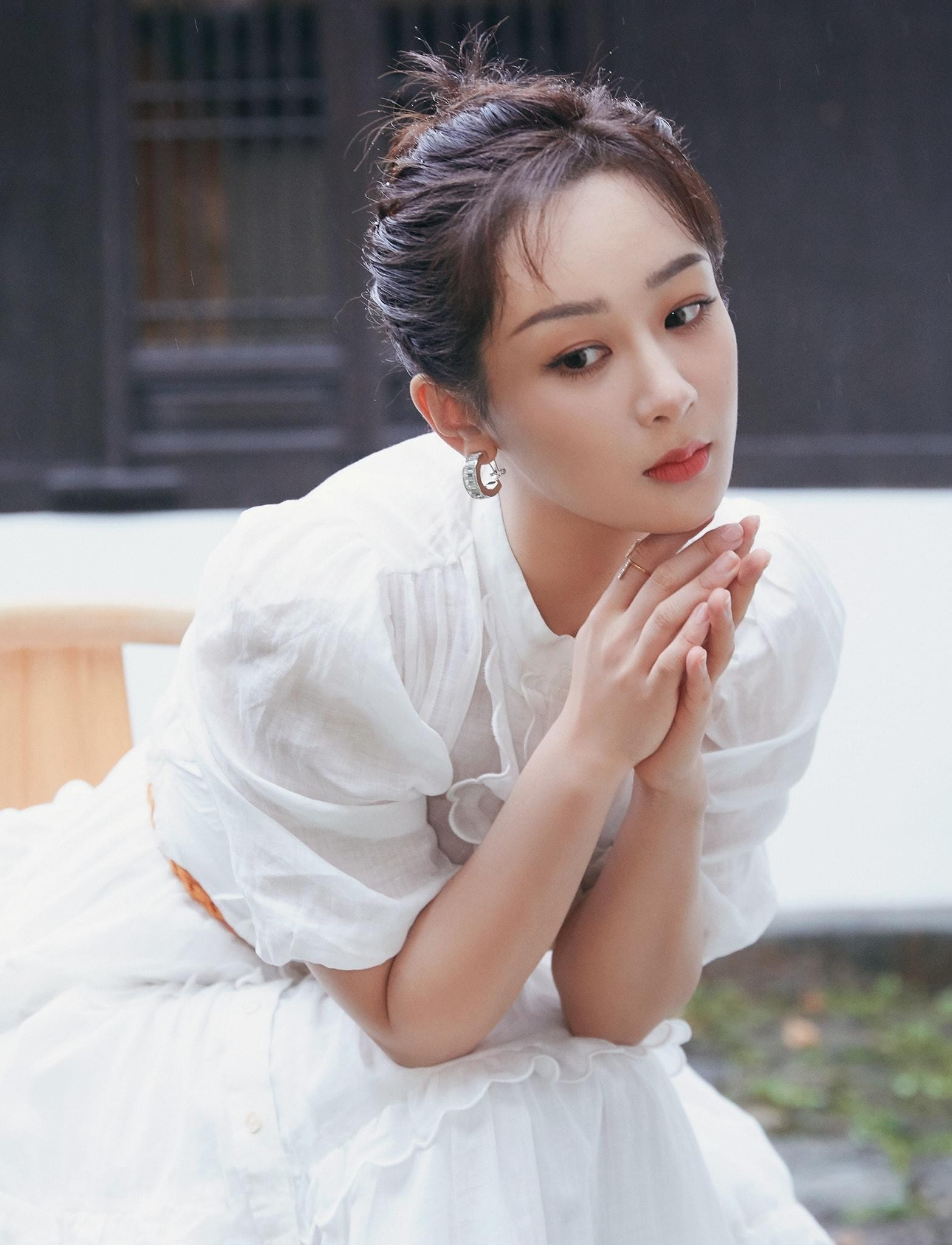 """Sau tất cả, Dương Tử cũng đã tìm thấy kiểu váy chân ái, được khen """"lộng lẫy như công chúa"""" ảnh 3"""