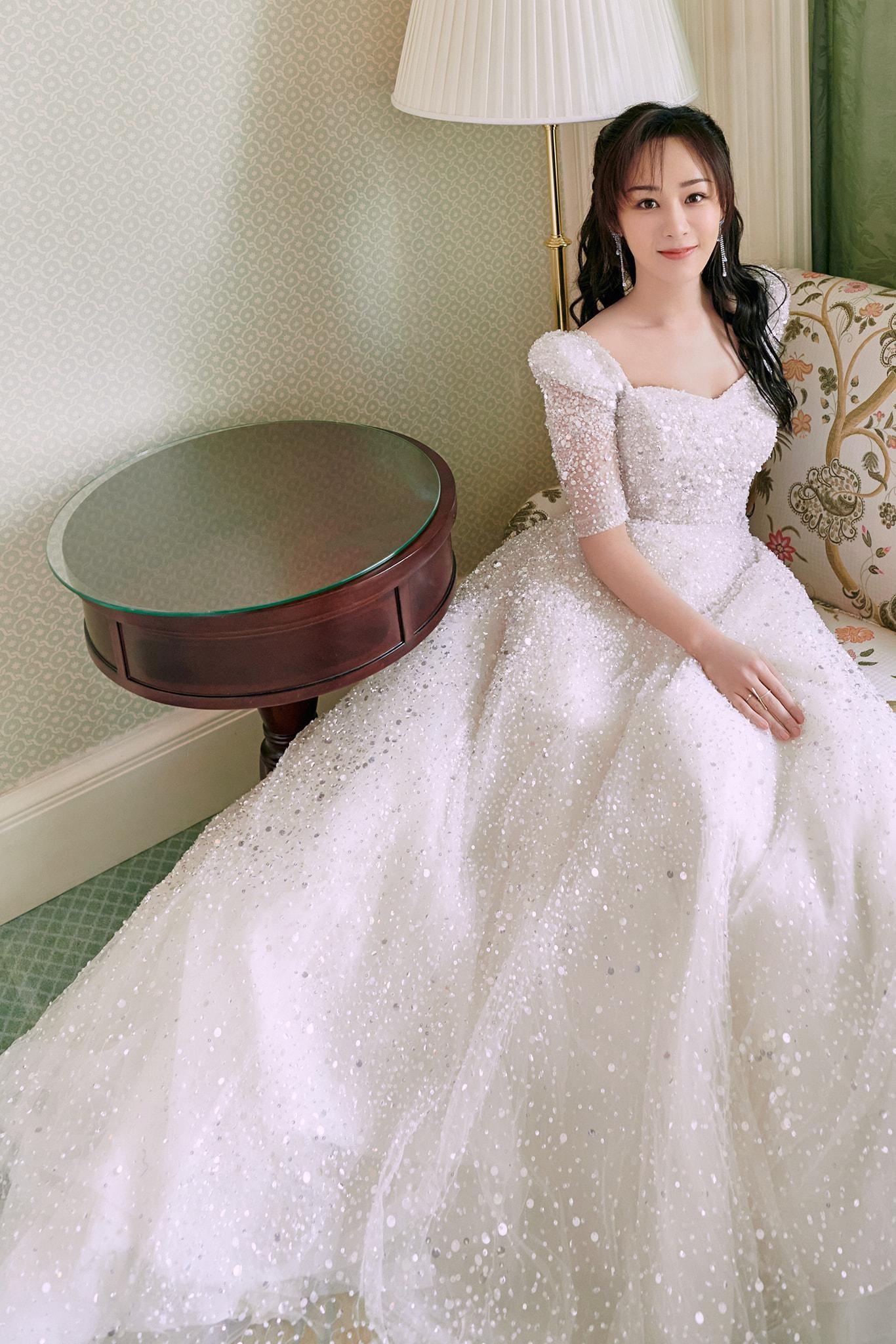 """Sau tất cả, Dương Tử cũng đã tìm thấy kiểu váy chân ái, được khen """"lộng lẫy như công chúa"""" ảnh 5"""