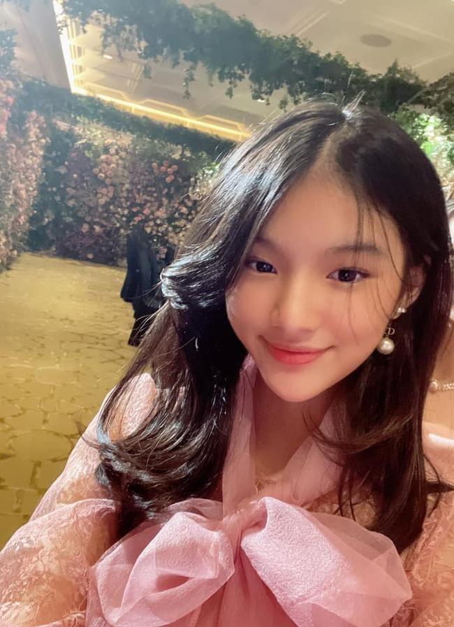 Con nhà sao Việt xinh như hoa hậu thì nhiều, nhưng chỉ Bảo Tiên là đẹp chuẩn siêu mẫu ảnh 3