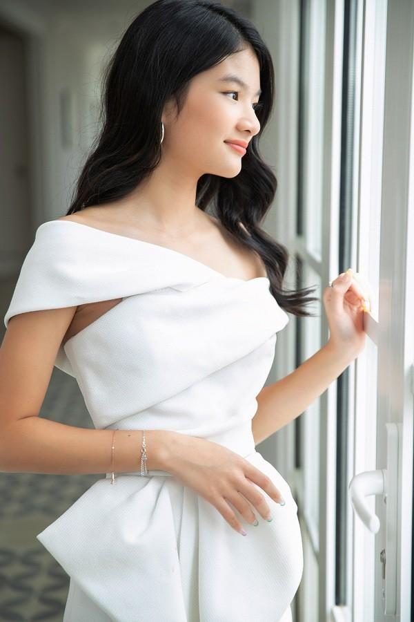 Con nhà sao Việt xinh như hoa hậu thì nhiều, nhưng chỉ Bảo Tiên là đẹp chuẩn siêu mẫu ảnh 8