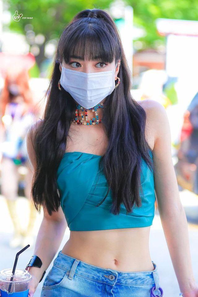 Top 8 idol sở hữu đôi mắt biếc đẹp mê hồn: V (BTS) xếp hạng nhất, sao nữ có những ai? ảnh 5