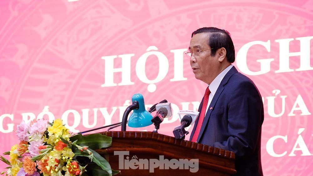 Toàn cảnh lễ trao Quyết định cho Tân Bí thư Thành uỷ Hà Nội Đinh Tiến Dũng ảnh 5