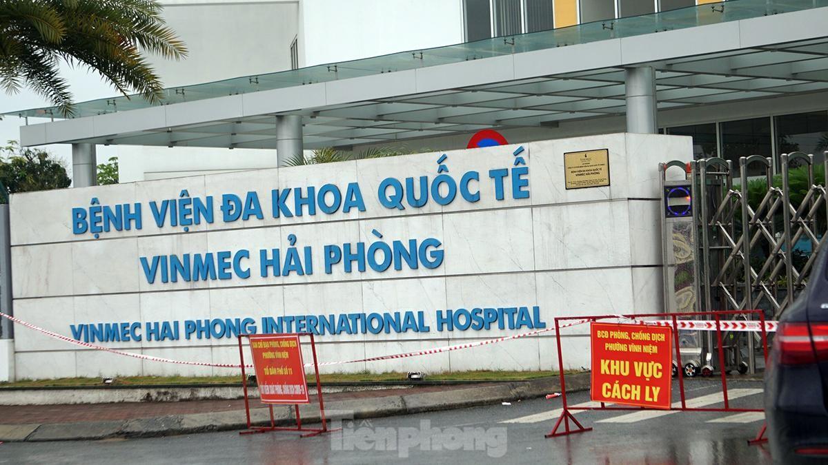 Cận cảnh chốt phong tỏa ở Hải Phòng sau ca mắc COVID-19 về từ Campuchia ảnh 10