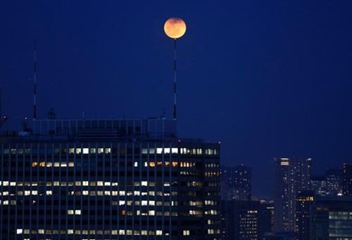 Độc đáo cảnh 'trăng máu' ở khắp thế giới ảnh 5