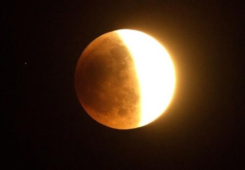 Độc đáo cảnh 'trăng máu' ở khắp thế giới ảnh 10