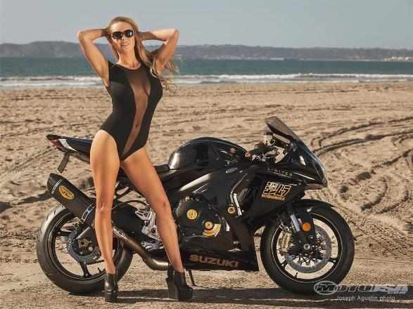 Diện bikini, mỹ nhân 'thiêu đốt' Suzuki GSX-R1000 Yoshimura ảnh 9