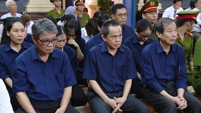 Y án bà Hứa Thị Phấn 30 năm tù, hoàn trả gần 16.000 tỷ đồng ảnh 1