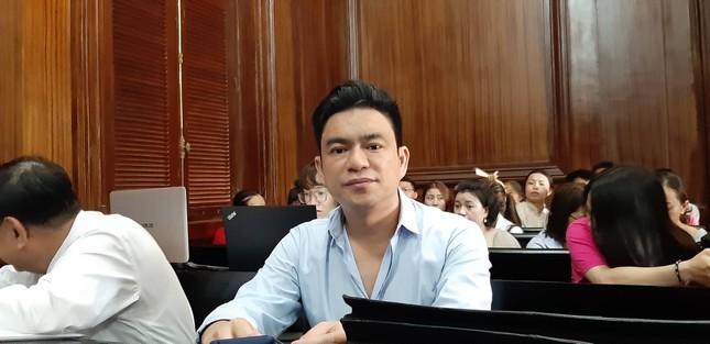 Vợ bác sĩ Chiêm Quốc Thái lĩnh 18 tháng tù vì thuê giang hồ chém chồng ảnh 2