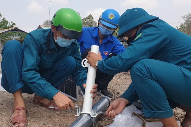 Thanh niên Tây Ninh thắp sáng 23 km đường tuần tra biên giới ảnh 3