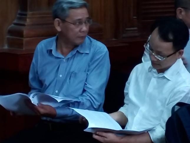 Cựu Phó chủ tịch TPHCM Nguyễn Hữu Tín hầu tòa liên quan đến Vũ 'nhôm' ảnh 2