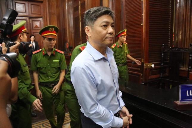 Cựu Phó chủ tịch TPHCM Nguyễn Hữu Tín hầu tòa liên quan đến Vũ 'nhôm' ảnh 1