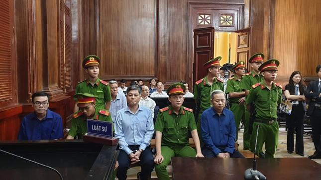 Phúc thẩm vụ 'đất vàng' 15 Thi Sách: Cựu phó chủ tịch Nguyễn Hữu Tín hiện ở đâu? ảnh 1