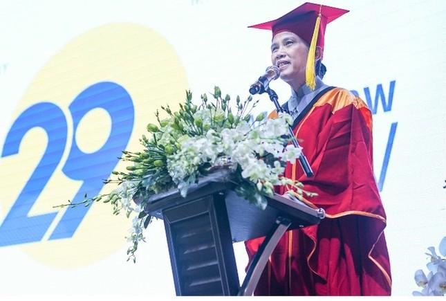 UBND TPHCM là bị đơn trong vụ kiện Trường Đại học Hoa Sen ảnh 1