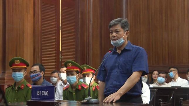 Cựu Phó Chủ tịch TPHCM Nguyễn Thành Tài khóc nghẹn, nói lời xin lỗi mẹ tại tòa ảnh 3