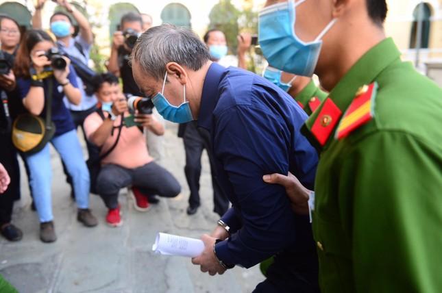 Đại diện Bộ GTVT nói gì tại phiên tòa xử cựu Bộ trưởng Đinh La Thăng? ảnh 2