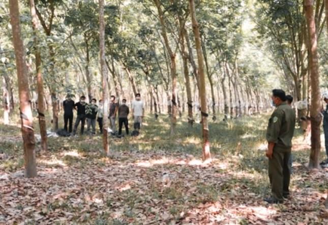 Tây Ninh phát hiện 16 người Trung Quốc nhập cảnh trái phép ảnh 1