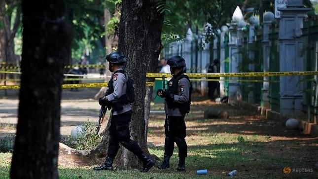 Nổ ngay trung tâm Jakarta, 2 sĩ quan quân đội bị thương ảnh 1