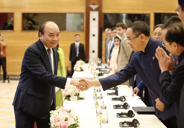 Thủ tướng Nguyễn Xuân Phúc: Giữa cạnh tranh Mỹ - Trung, ASEAN không muốn chọn phe ảnh 1