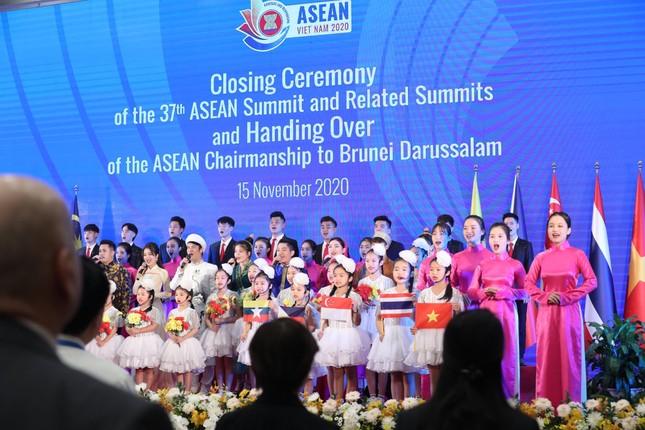 Việt Nam chuyển giao vai trò Chủ tịch ASEAN cho Brunei ảnh 1