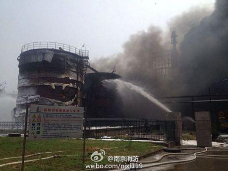 Cháy dữ dội tại nhà máy lọc dầu Trung Quốc ảnh 5