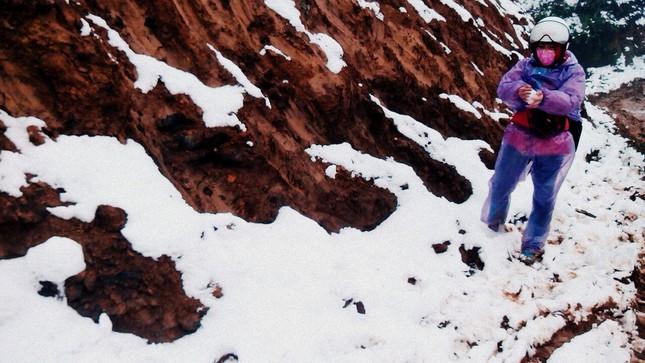 """Dân """"phượt"""" vượt đường lầy lội lên Y Tý ngắm tuyết ảnh 8"""