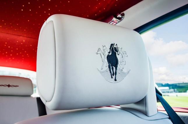 Chiêm ngưỡng Rolls-Royce đỏ chót độc nhất vô nhị ảnh 6