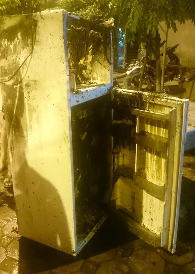 Cháy cửa hàng thuốc đông y thiêu rụi nhiều đồ đạc ảnh 1