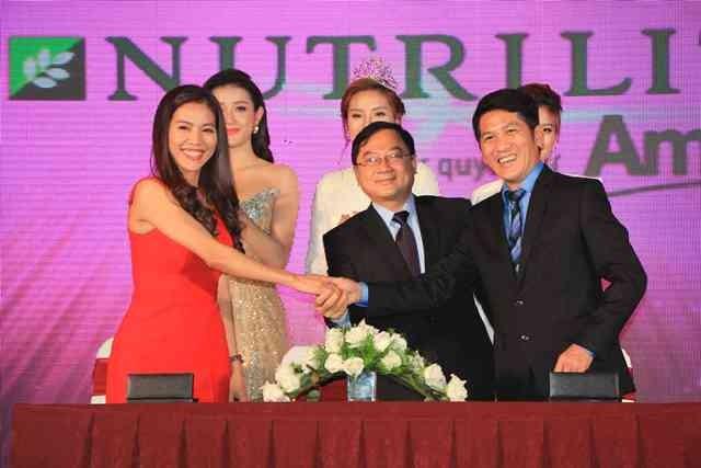 Công bố và ký kết với các nhà tài trợ Hoa hậu Việt Nam 2016 ảnh 4