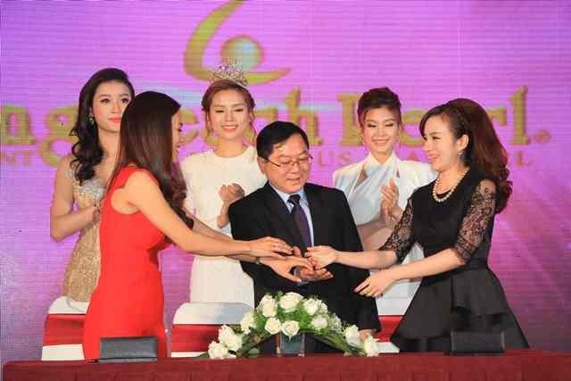 Công bố và ký kết với các nhà tài trợ Hoa hậu Việt Nam 2016 ảnh 5
