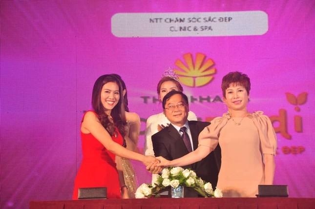 Công bố và ký kết với các nhà tài trợ Hoa hậu Việt Nam 2016 ảnh 3