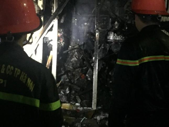 Hiện trường vụ cháy nhà 'chuồng cọp' phố Vọng, khiến 2 người chết ảnh 2