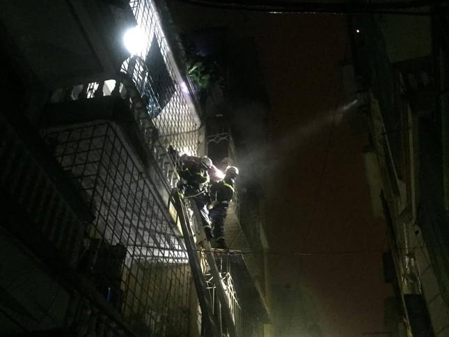 Hiện trường vụ cháy nhà 'chuồng cọp' phố Vọng, khiến 2 người chết ảnh 4