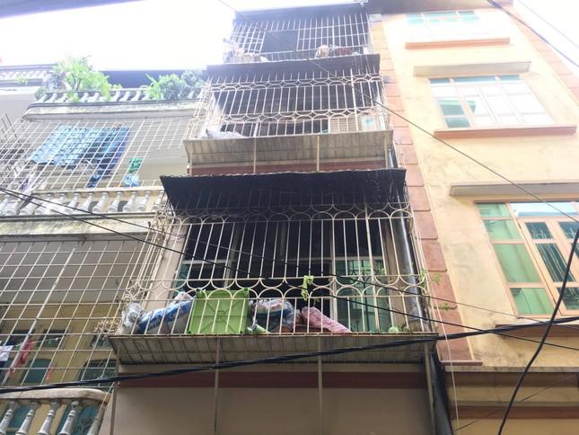 Hiện trường vụ cháy nhà 'chuồng cọp' phố Vọng, khiến 2 người chết ảnh 8
