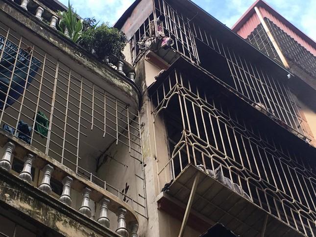 Hiện trường vụ cháy nhà 'chuồng cọp' phố Vọng, khiến 2 người chết ảnh 15