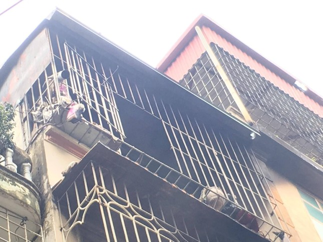 Hiện trường vụ cháy nhà 'chuồng cọp' phố Vọng, khiến 2 người chết ảnh 12