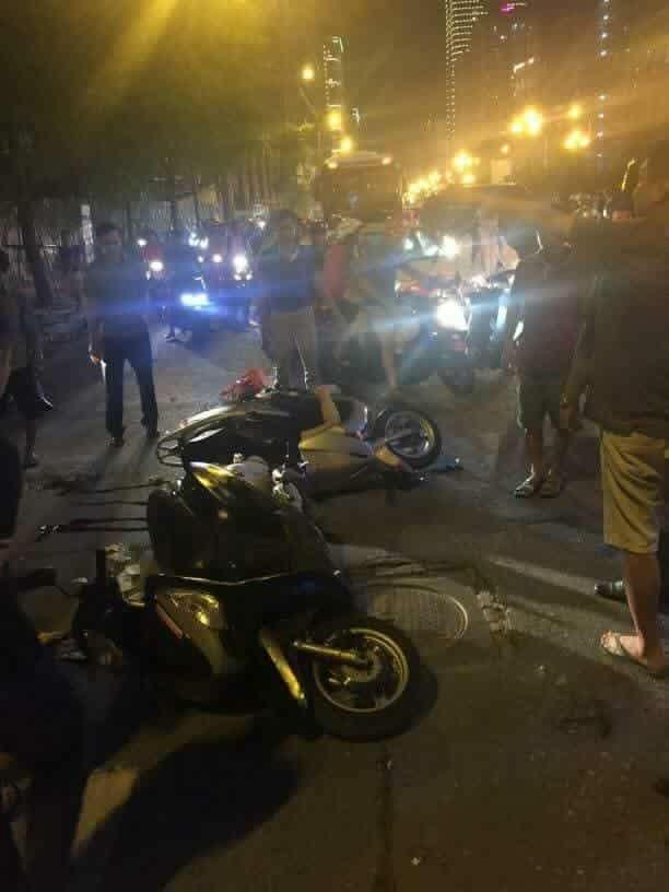 Người phụ nữ đi xe máy bị thanh sắt từ tòa nhà rơi trúng tử vong ảnh 3