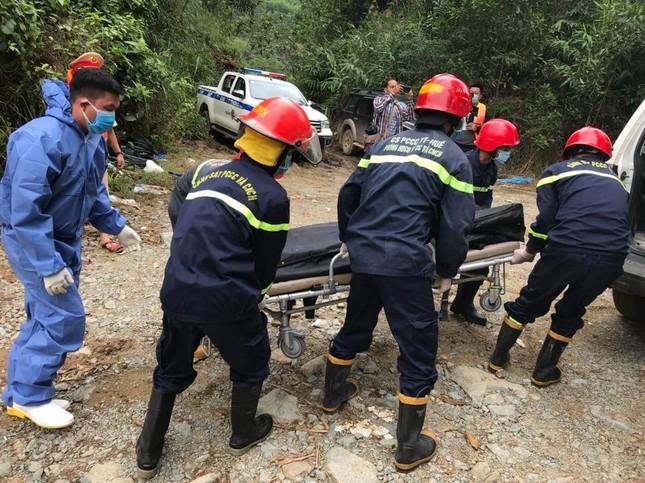 Cận cảnh tìm kiếm 17 công nhân gặp nạn tại thủy điện Rào Trăng 3 ảnh 8
