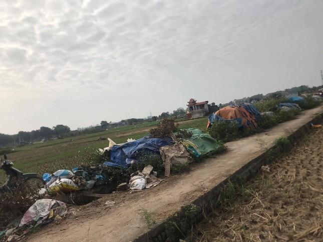 'Xới tung' ven sông Nhuệ tìm nữ sinh Học viện Ngân hàng mất tích ảnh 7